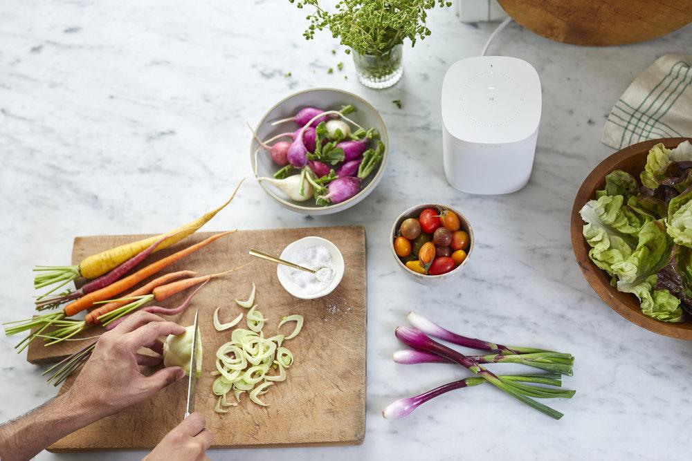Google Assistent op Sonos tijdens koken